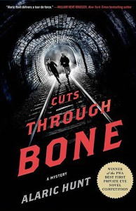 "Das ist das Cover zu ""Cuts Through Bone"""